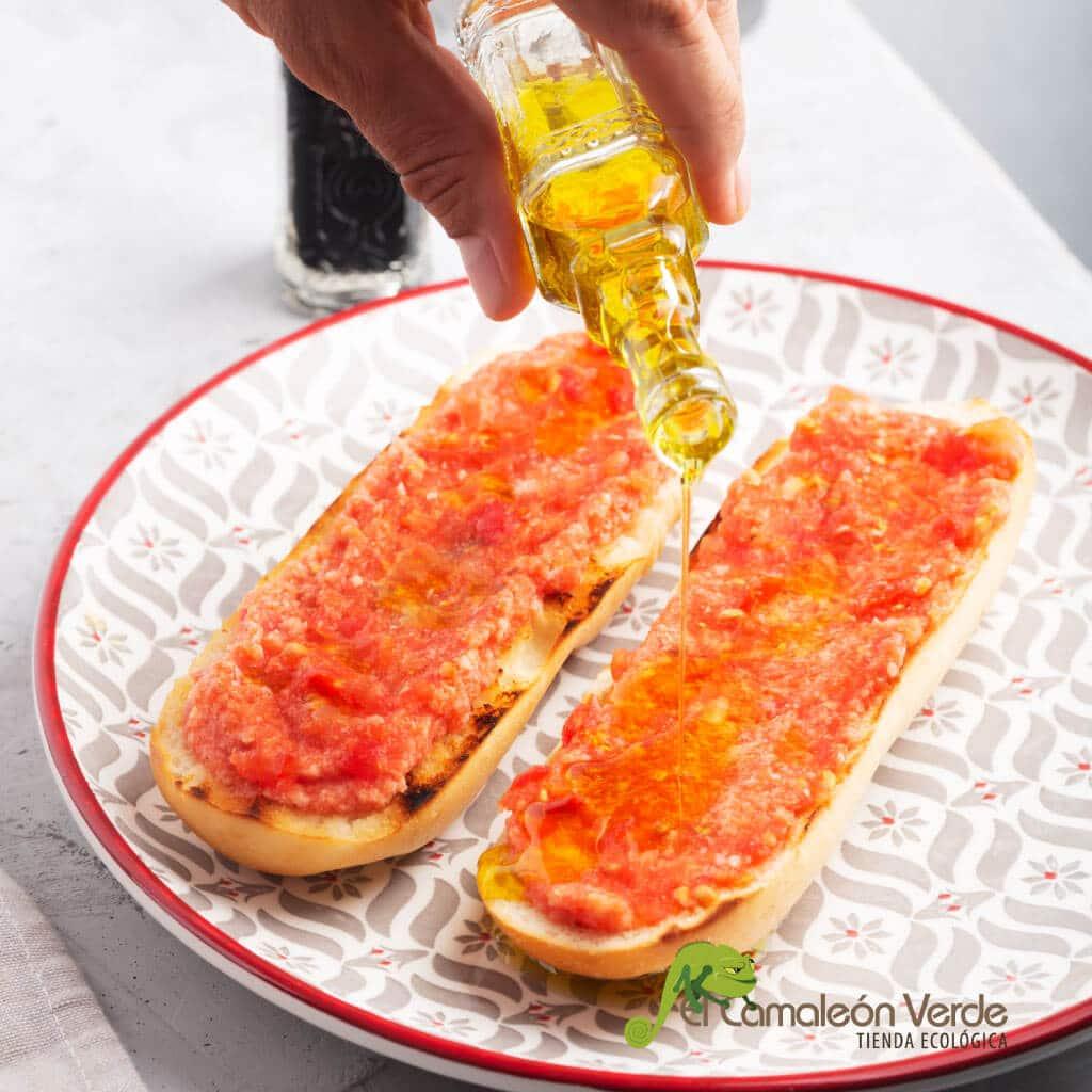 idea de desayuno saludable - barritas con tomate y aceite
